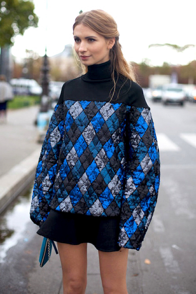 3 - azul noche geometric-print-trend-street-style-blue-jumper-who-what-wear